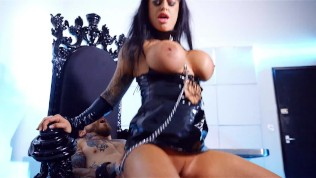 fetish queen kerrie louise drilled by dean van damme at babestation
